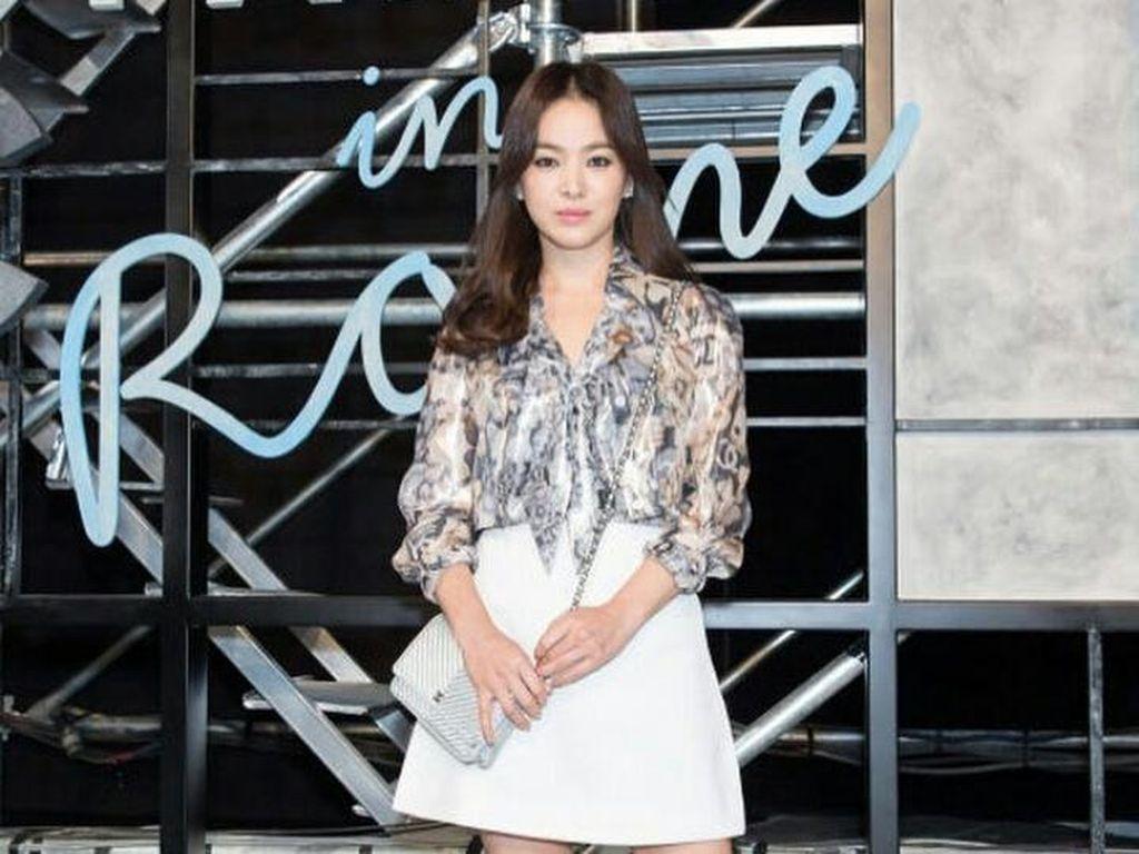 Korean Style: Contek 5 Gaya Selebriti Korea Pakai Kemeja
