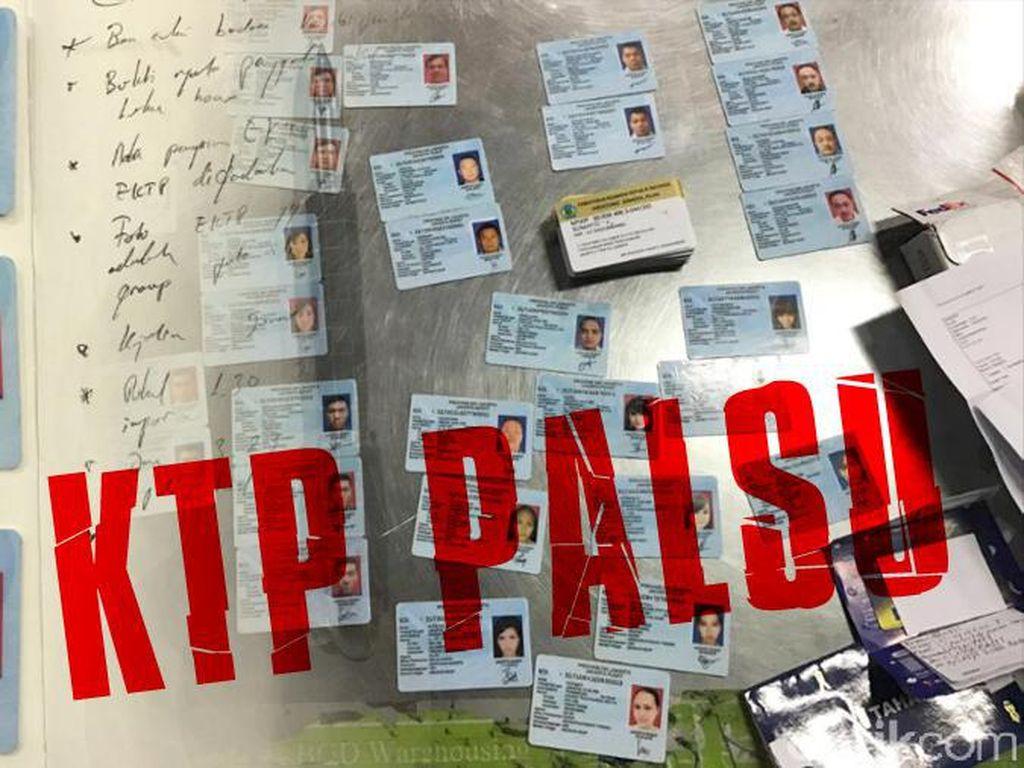 Buka Jasa Pembuatan KTP-NPWP Palsu, Pria Asal OKI Ditangkap