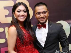 <i>Lovely Couple</i>! Serasinya Ihsan Tarore dan Denada