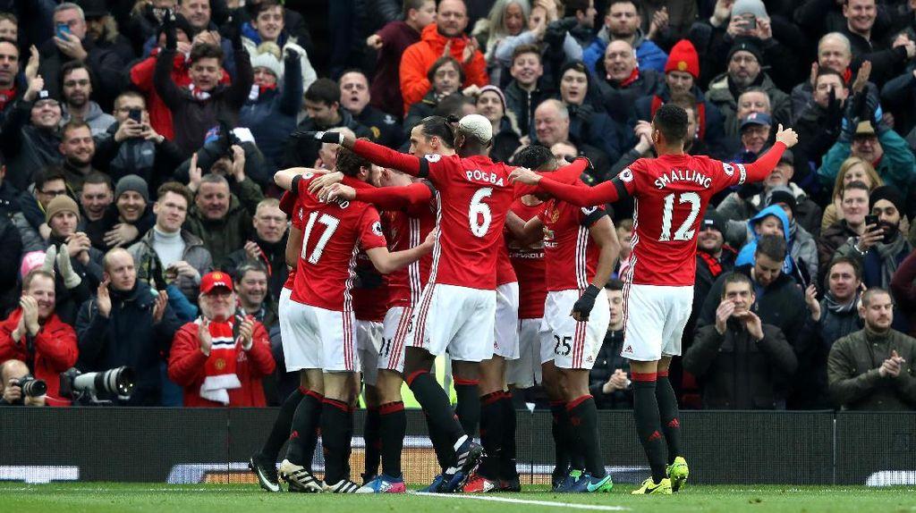 Ditunggu Final Piala Liga Inggris, MU Diminta Tetap Fokus ke St Etienne Dulu