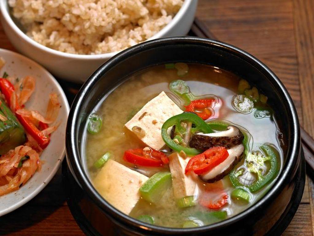 Tak Mau Repot Bikin Takoyaki dan Sup Miso? Beli Produk Instannya di Supermarket Ini