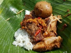 Ayo, Sarapan dengan 8 Racikan Nasi Gudeg yang Sedep Miroso Ini!