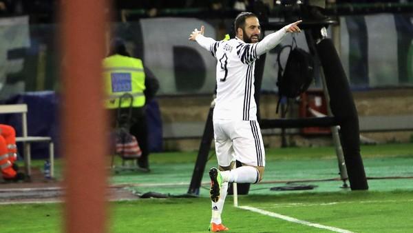 Bagaimana jika Higuain Jebol Gawang Madrid?