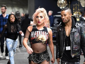 Lady Gaga Nostalgia dengan Bad Romance di Coachella 2017