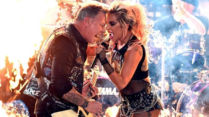 Minta Maaf, Produser Grammy Sebut Kabel Mic Terlepas Saat Metallica Manggung