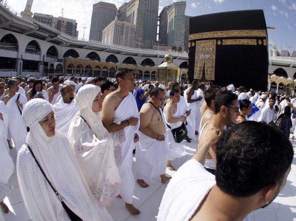 Agus Yudhoyono Isi Masa Tenang dengan Ibadah Umrah