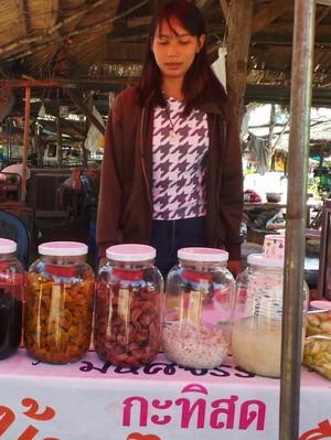 Tempat Belanja Murah Meriah di Pinggiran Thailand