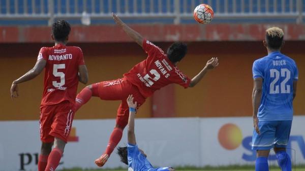 Pemain Semen Padang Nikmati Pertandingan, PSCS Hilang Konsentrasi
