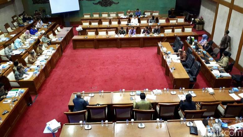Ini Hasil Rapat DPR dengan Pemerintah, BI dan OJK Soal KUR