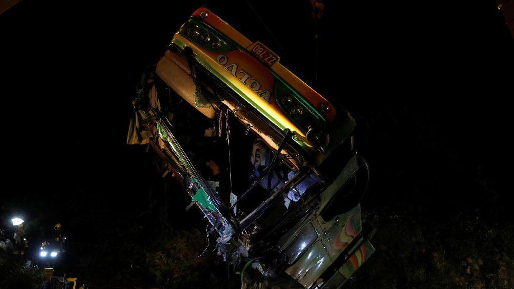 Kecelakaan Bus Tur di Taiwan Tewaskan 32 Orang