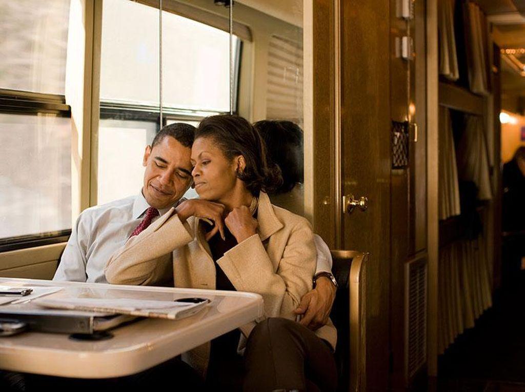 So Sweet! Ini Kejutan Romantis Obama ke Michelle Rayakan Pernikahan