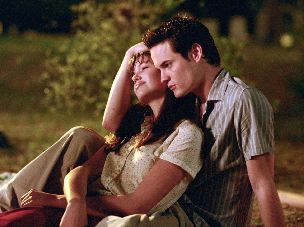 7 Film Romantis Sedih, Bikin Mewek dan Baper
