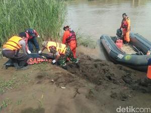 Ibu dan Anak yang Diduga Bunuh Diri di Sungai Cipunagara Ditemukan