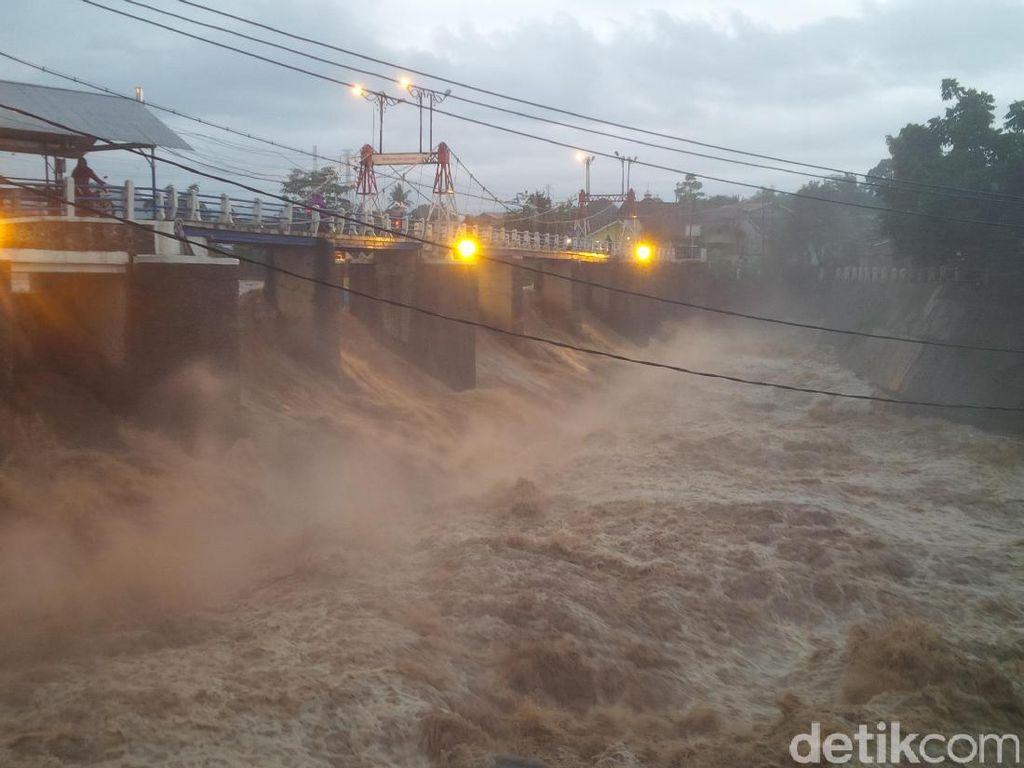 Puncak Hujan sejak Pagi, Katulampa Siaga 2