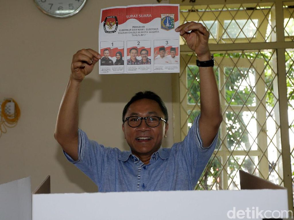 Ketua MPR Zulkifli Hasan Gunakan Hak Pilihnya