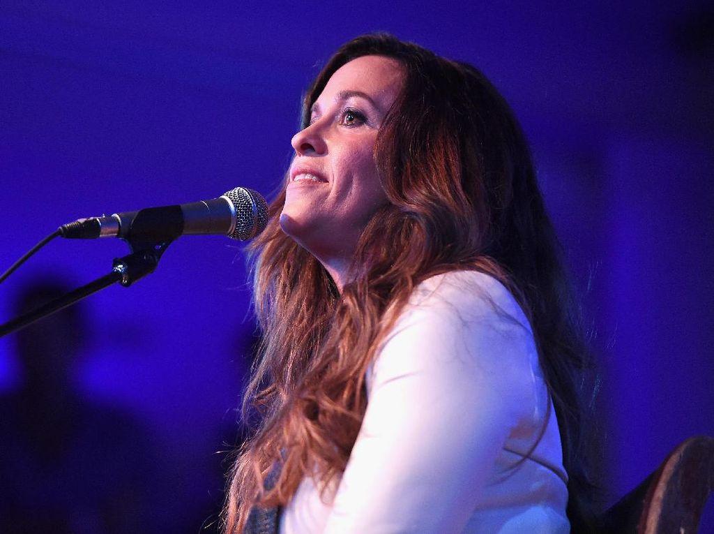 Musikal Alanis Morissette Dominasi Tony Awards