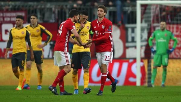 Tren Oke Bayern di Allianz Arena, Torehan Buruk Arsenal
