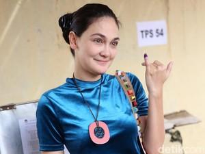 Wah! Cantiknya Luna Maya Tanpa Make-up ke TPS