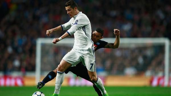 Madrid Kalahkan Napoli 3-1