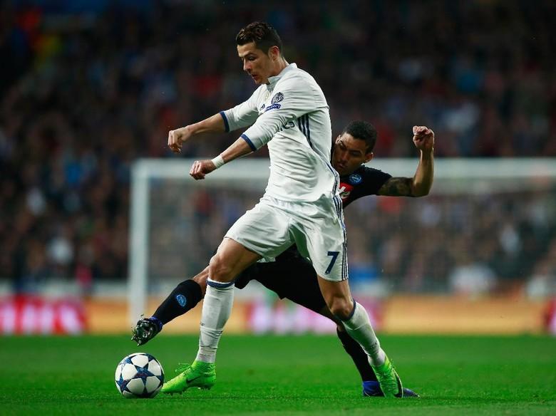 """""""Bandar Bola - Real Madrid Kalahkan Napoli Dengan Skor 3-1"""""""