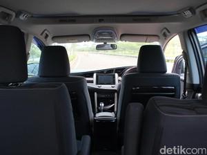 Pasangan Bukan Suami-Istri Dipergoki Polisi Beraksi Mesum di Mobil