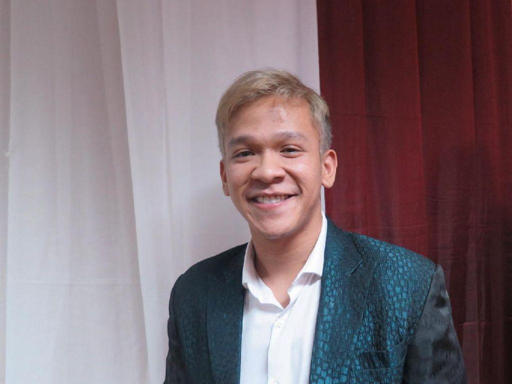 Jordi Onsu Gelar Pesta Ultah di Lokasi Syuting Crazy Rich Asians