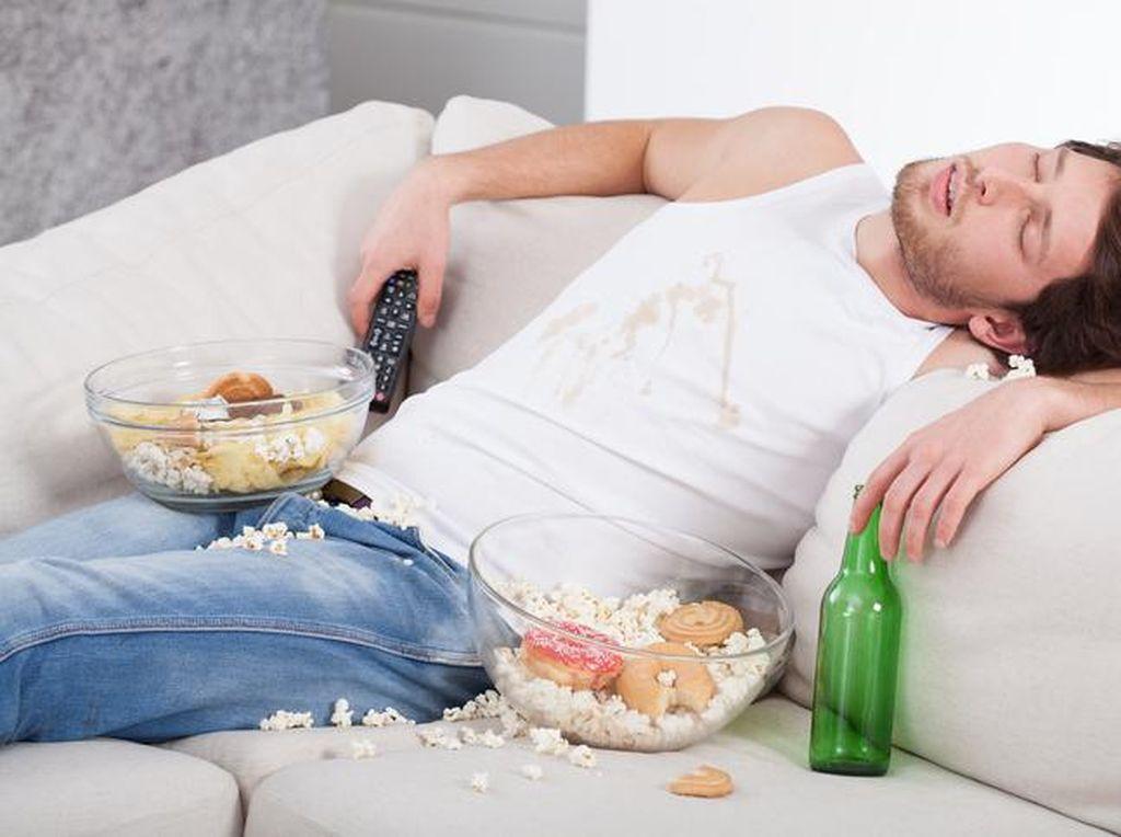 Ingat! Jangan Langsung Lakukan 6 Hal Ini Sesudah Makan Siang