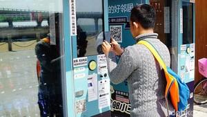 Di China, Belanja di Kaki Lima Sudah Tak Bayar Cash