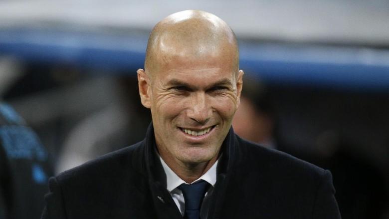 Zidane Komentari Kekalahan Telak Barca dari PSG