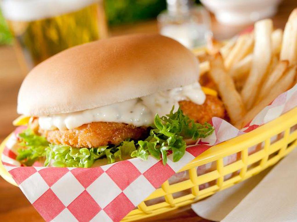 5 Resto Fast Food Populer di Jepang yang Punya Burger hingga Bento Enak