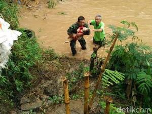 Foto Saat Evakuasi Balita Tenggelam Viral, Ini Cerita Pelda Idris