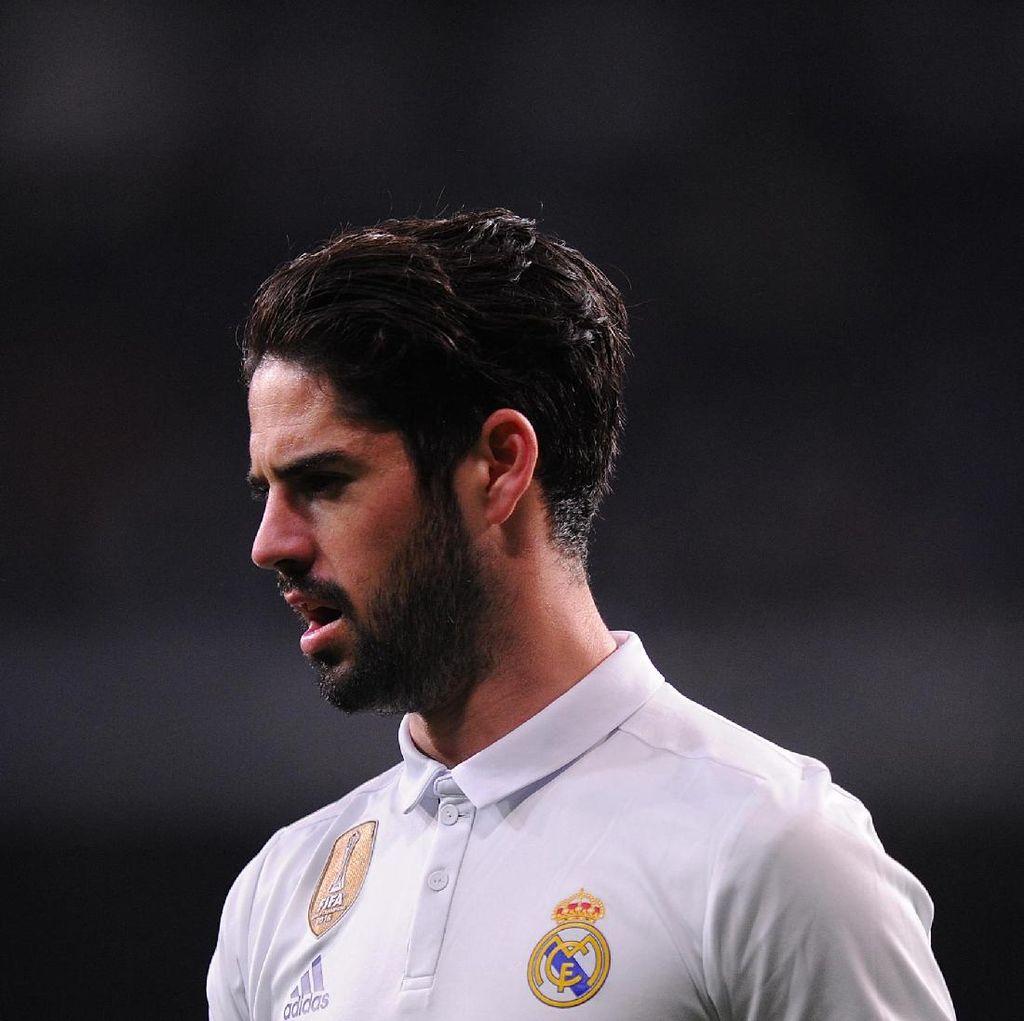 Ramos Harapkan Isco Bertahan di Madrid