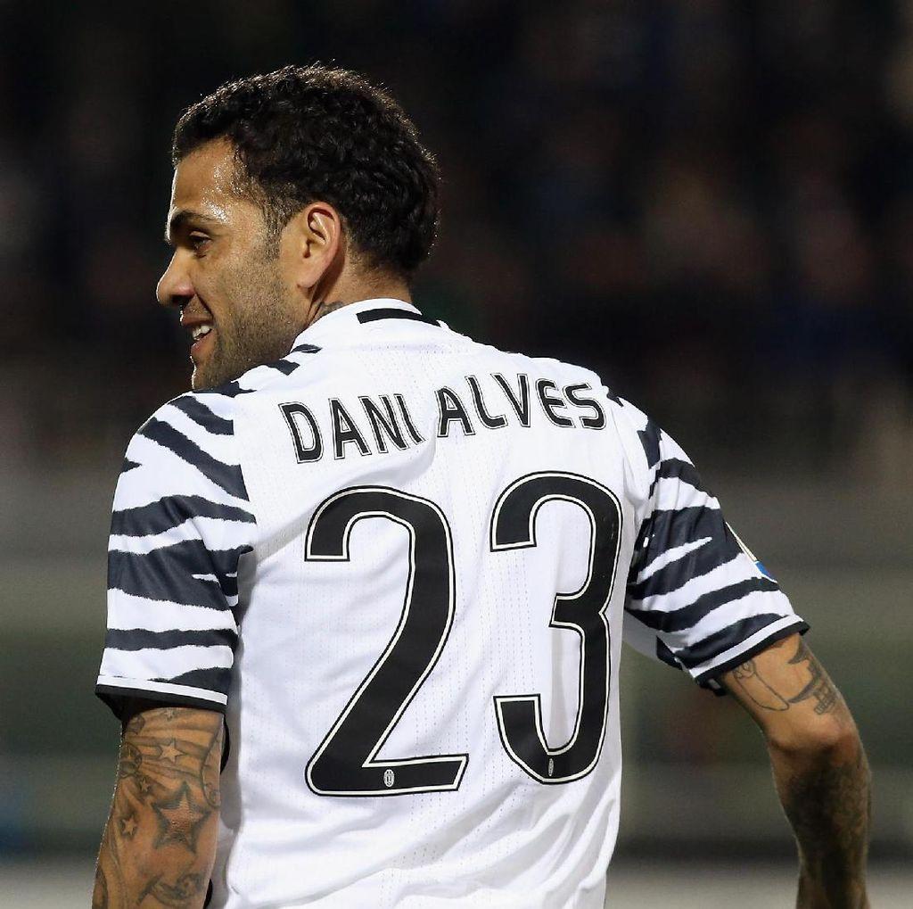Dani Alves: Barcelona Tak Tahu Terima Kasih