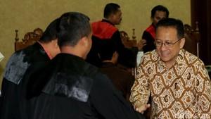 Irman Gusman Divonis 4,5 Tahun Bui, KPK Pertimbangkan Banding