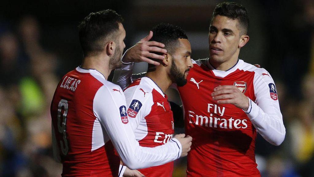 Walcott Sudah 100 Gol untuk Arsenal