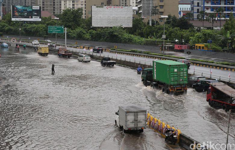 Jakarta Banjir, Curah Hujan Lebih Kecil dari 2007-2013-2014