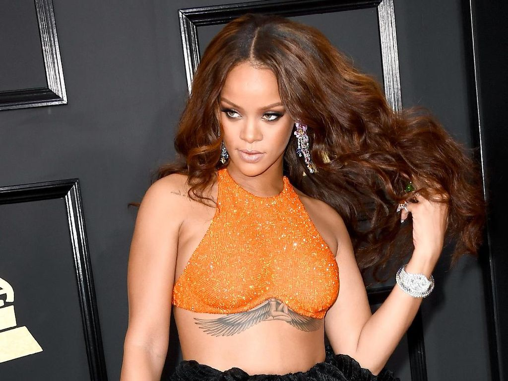 Tak Kunjung Rilis Album Baru, Rihanna Merasa Belum Puas