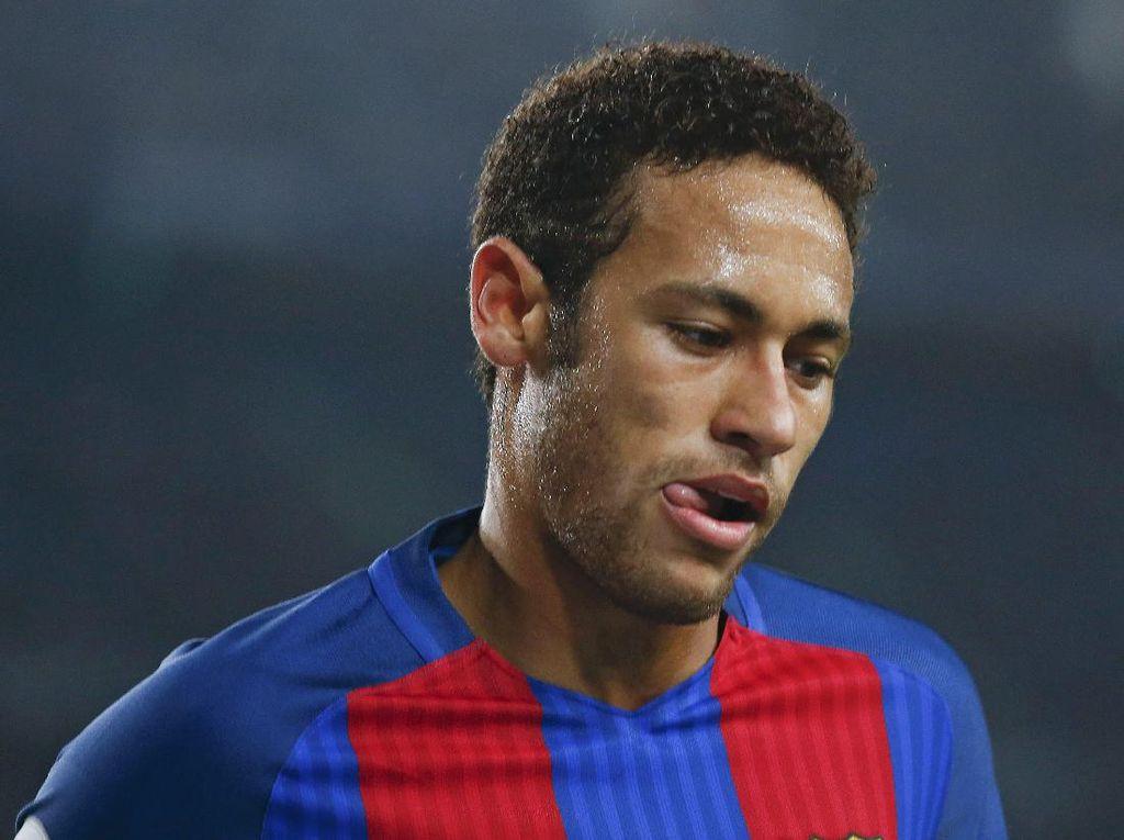 Enrique Tak Mau Banyak Bahas Neymar