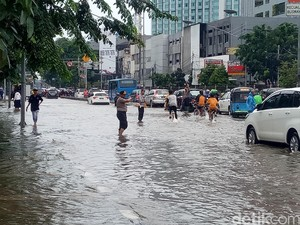 BPBD DKI: Banjir di Gunung Sahari dan Kemang Berangsur Surut