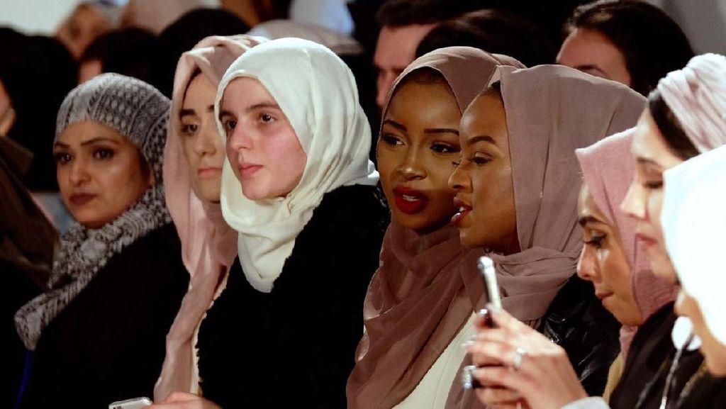 Pekan Mode Busana Muslim Digelar di London, Disponsori Brand Anti Trump
