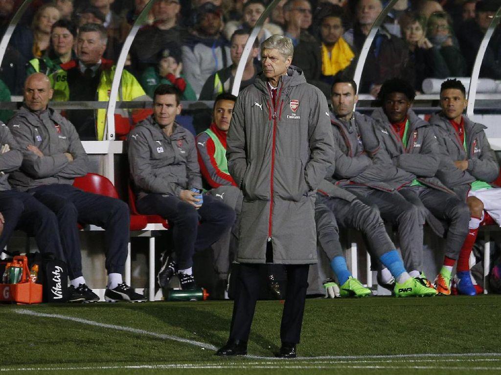 Ruang Ganti Sutton Ingatkan Wenger pada Masa Kecilnya