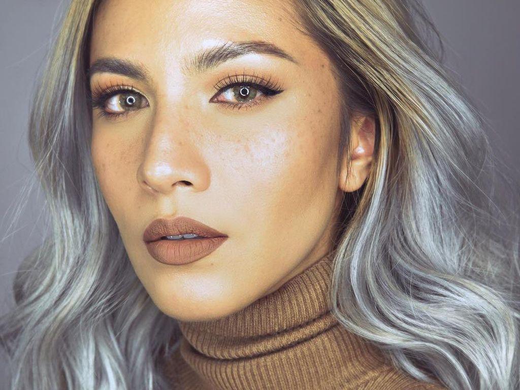 Mengenal Hellua Puspoyo, Influencer Cantik di Balik The Lipstick Mafia