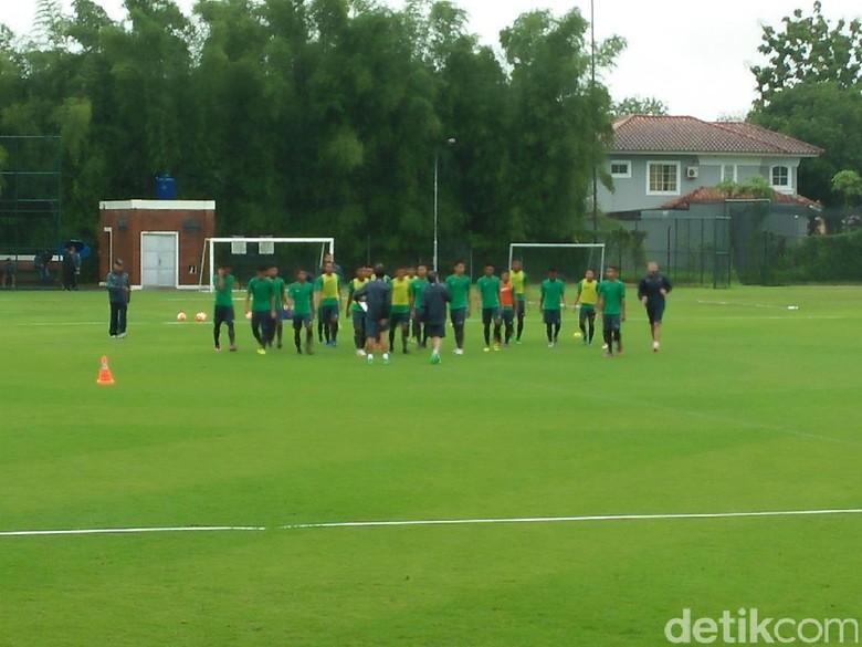 24 Pemain Timnas Indonesia U-22 Siap Bikin Debut Senior di Pakansari