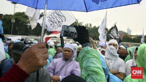 Di Balik Santri 'Dadakan' Post-Islamisme ala Sandiaga Uno