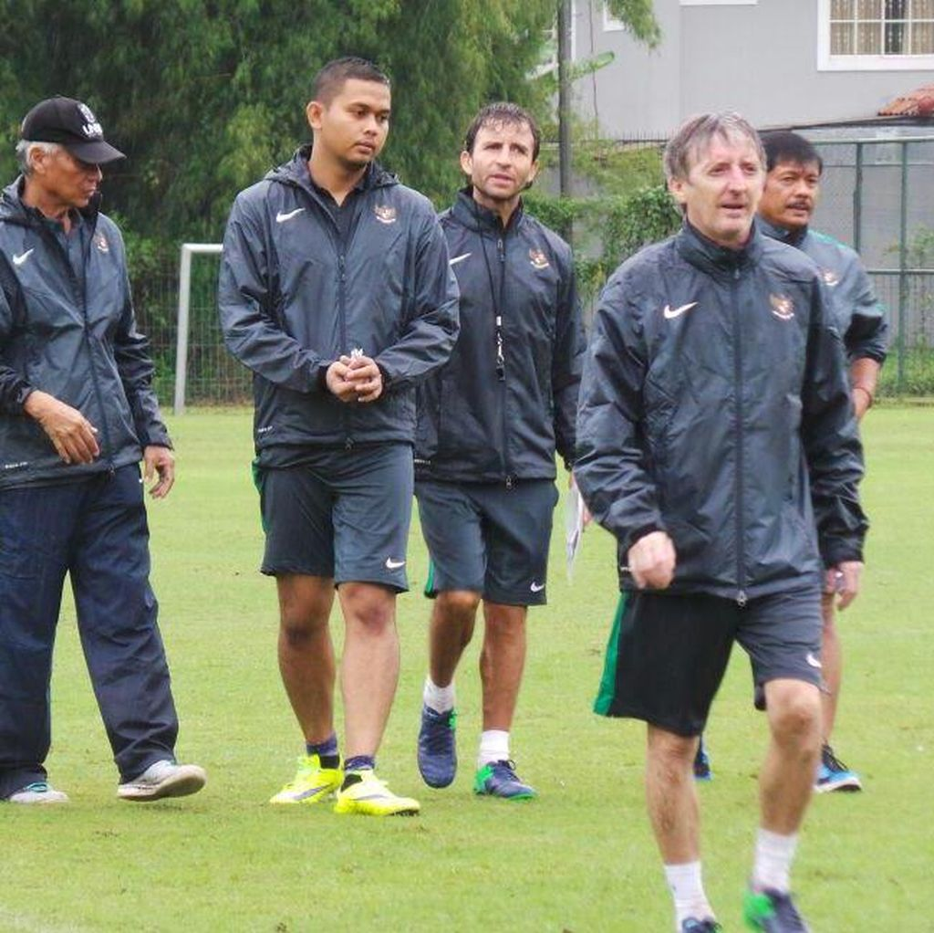 Luis Milla Masih Pelajari Gaya Main Pesepakbola Indonesia
