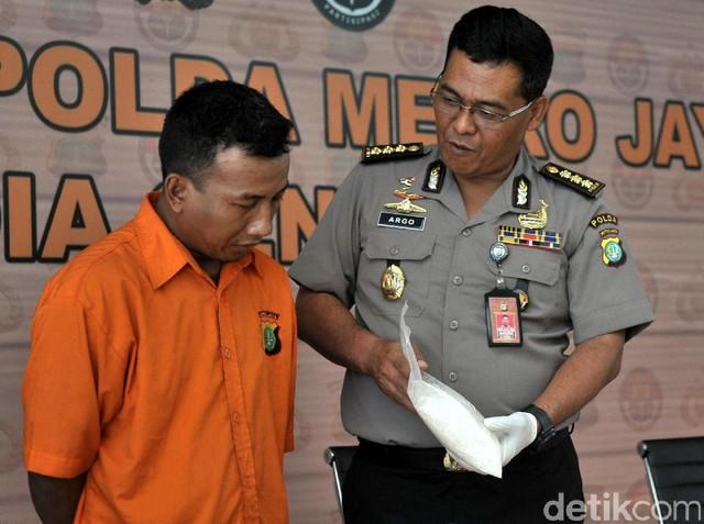 Polda Metro Jaya Bekuk Pengedar 2,3 Kg Sabu