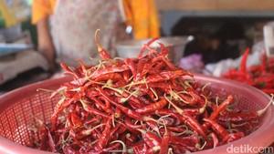Harga Cabai Merah Keriting Turun, di Kramat Jati Rp 19.000/Kg
