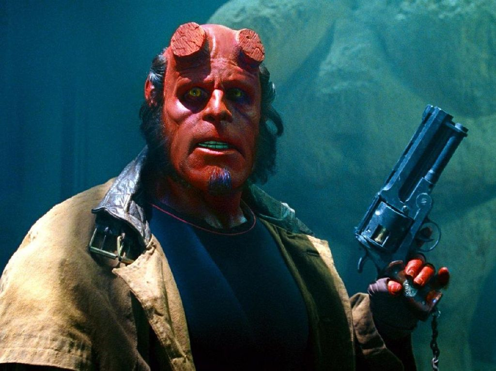 Diberi Rating R, Hellboy Film Khusus Dewasa