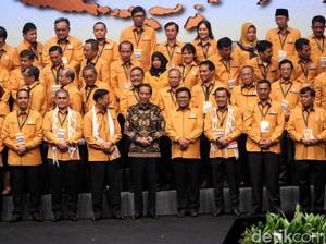 Candaan Oesman Sapta soal Reshuffle Jilid III di Depan Jokowi