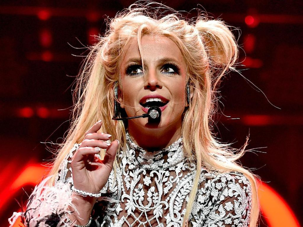 Dukung Social Distancing, Britney Spears Ubah Lirik Baby One More Time